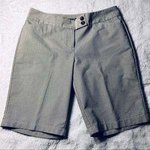 Ann Taylor Curvy Fit Bermuda Shorts Sz 10